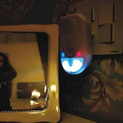 Hütermann Odpuzovač univerzální zásuvkový s nočním dotykovým osvětlením